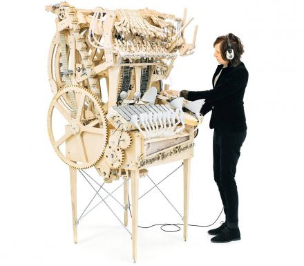 This Incredibly Elaborate Machine Uses 2,000 Marbles To Make Music