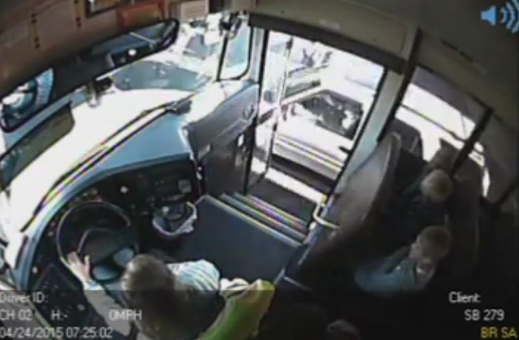 Crazy Driver Almost hits kids boarding school bus